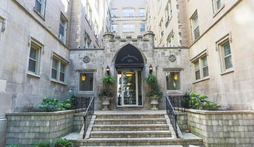 The Renaissance Apartment for rent in Chicago, IL