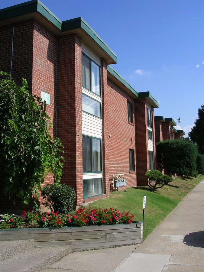 town and campus apartments springfield mo