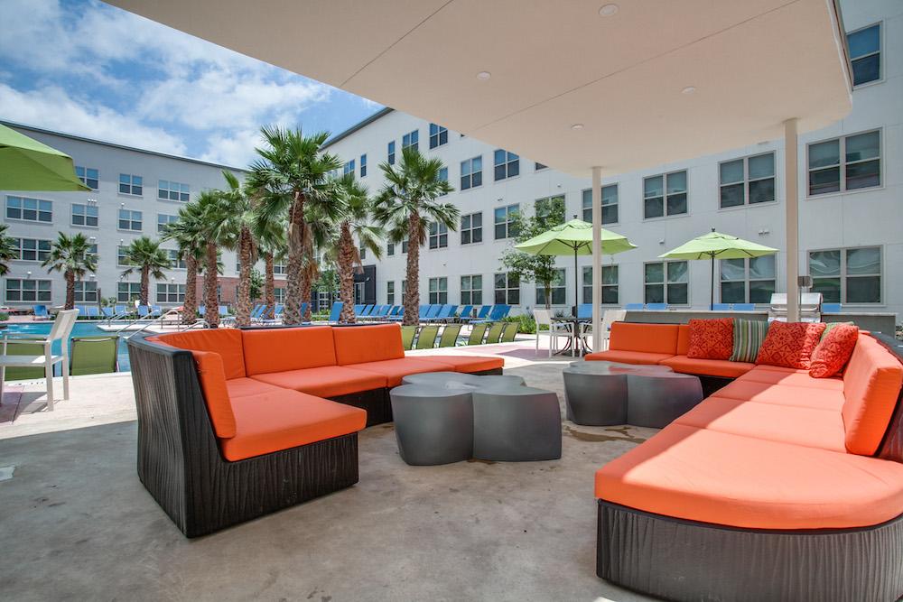 tobin lofts at san antonio college utsa usa today college. Black Bedroom Furniture Sets. Home Design Ideas
