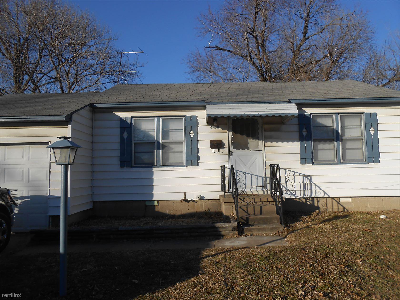 Similar Apartment at 4919 E Easton St