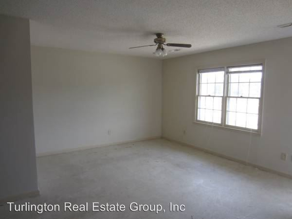 2 Bedrooms 1 Bathroom Apartment for rent at Coats Circle in Benson, NC