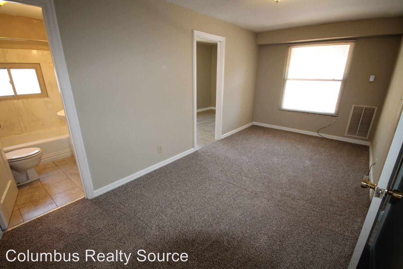 1 Bedroom 1 Bathroom Apartment for rent at 3031-35 Indianola Ave in Columbus, OH