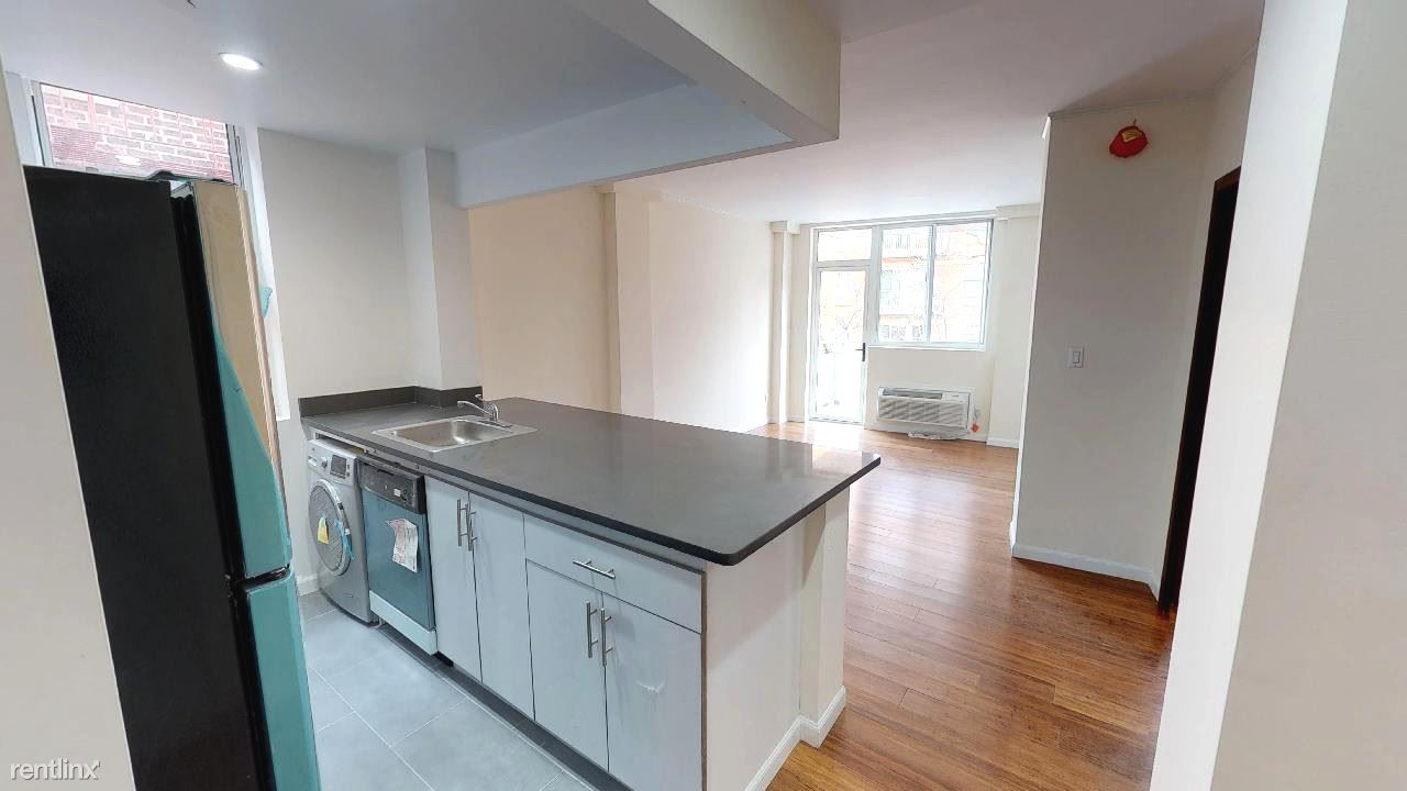 1 Bedroom 1 Bathroom Apartment for rent at 8276 116th St in Richmond Hill, NY