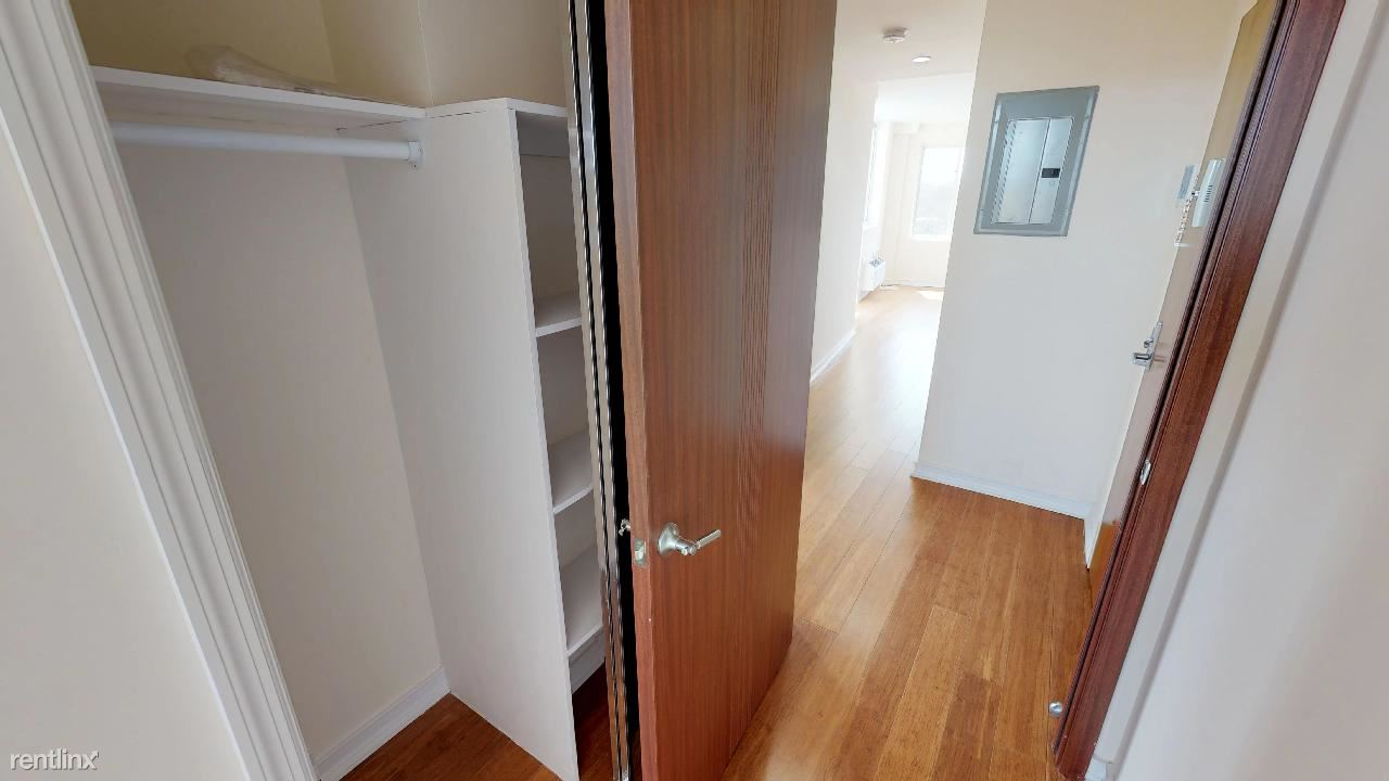 2 Bedrooms 2 Bathrooms Apartment for rent at 8276 116th St in Richmond Hill, NY