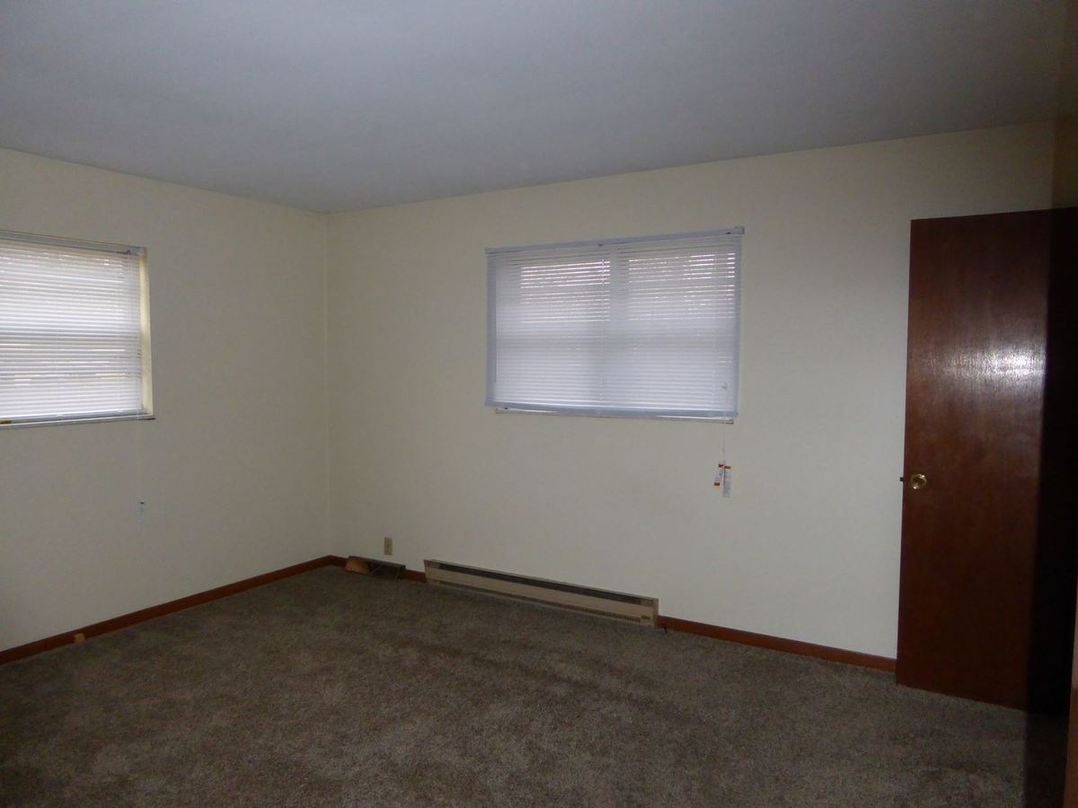 2 Bedrooms 1 Bathroom Apartment for rent at Cemar 42½ & 73½ Avenue in Terre Haute, IN
