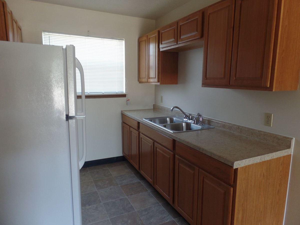2 Bedrooms 1 Bathroom Apartment for rent at Club Poplar 820 Poplar Street in Terre Haute, IN