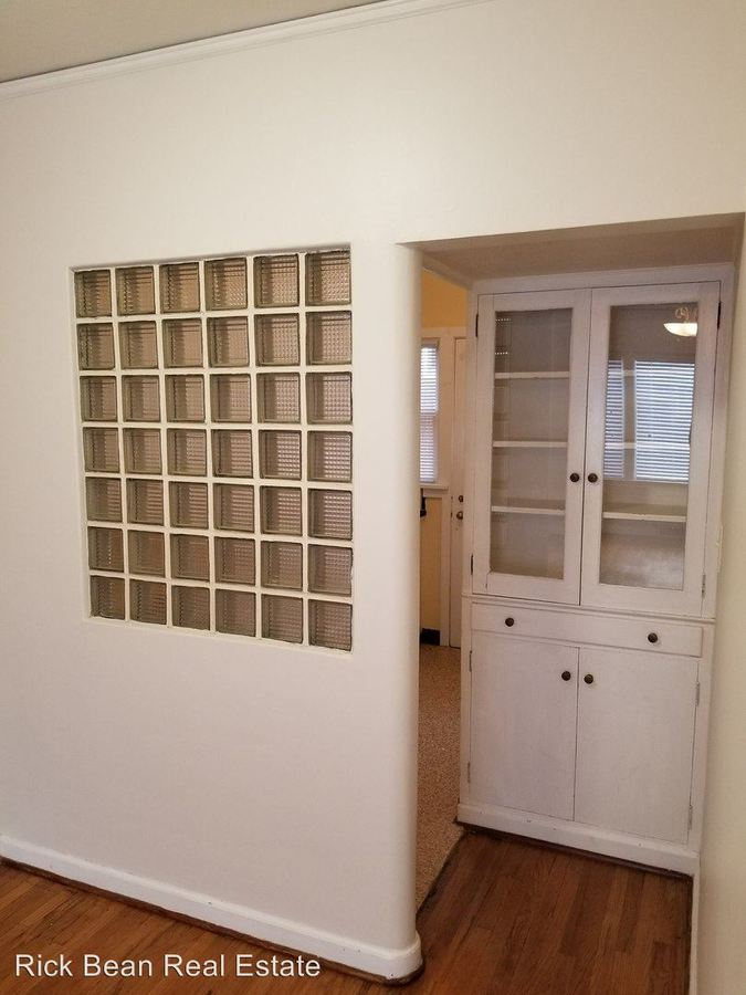 1 Bedroom 1 Bathroom Apartment for rent at 4325 Ne Halsey Street in Portland, OR