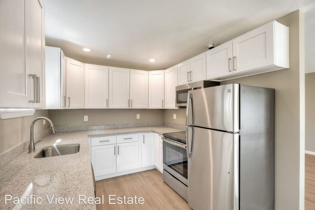 3 Bedrooms 2 Bathrooms Apartment for rent at 15532, 15544 27th Ave Ne in Shoreline, WA