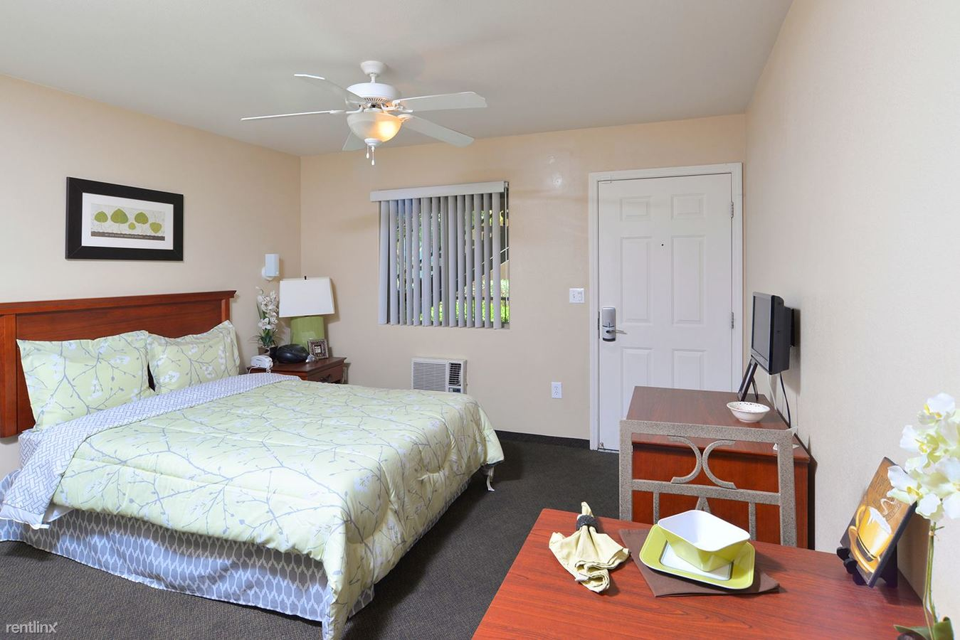 Studio 1 Bathroom Apartment for rent at Siegel Suites Tolleson in Tolleson, AZ
