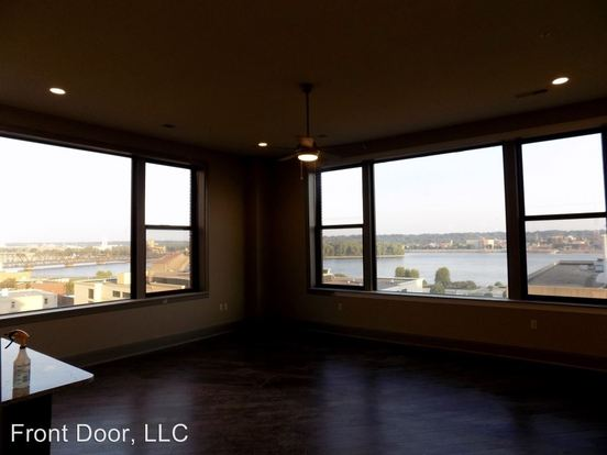 2 Bedrooms 2 Bathrooms Apartment for rent at 128 30 West 2nd St. Putnam in Davenport, IA