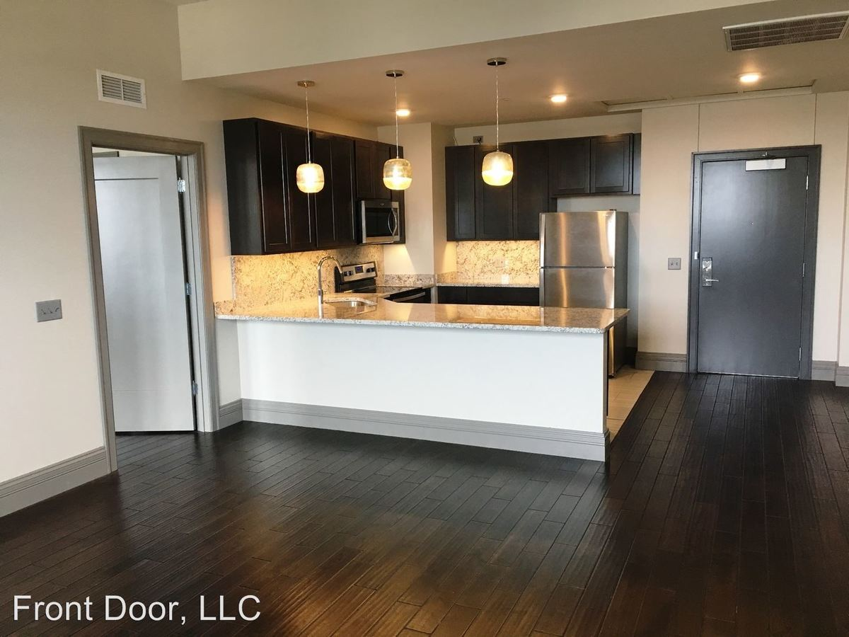 1 Bedroom 1 Bathroom Apartment for rent at 128-30 West 2nd St. Putnam in Davenport, IA