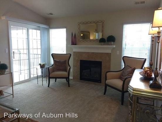 3 Bedrooms 2 Bathrooms Apartment for rent at 124 Optimist Court in Auburn Hills, MI