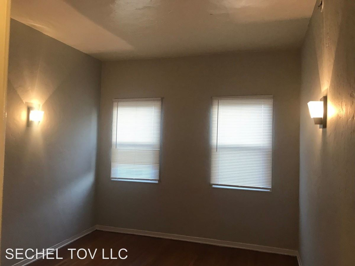 1 Bedroom 1 Bathroom Apartment for rent at 1197 N Ardmore Ave. in Los Angeles, CA