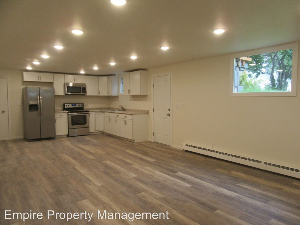 2 Bedrooms 1 Bathroom Apartment for rent at 400 B Street in Fairbanks, AK