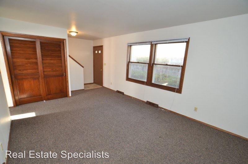 2 Bedrooms 1 Bathroom Apartment for rent at 609 - 667 Ridgeway Drive in Hartland, WI