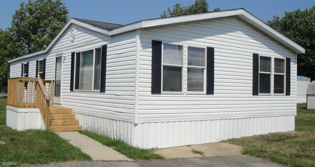 3 Bedrooms 2 Bathrooms House for rent at 451 Choctaw Way in Indianapolis, IN