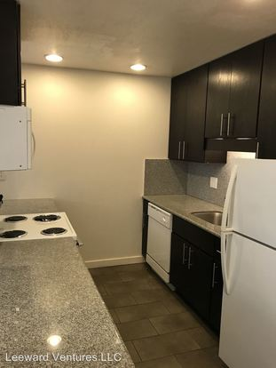3 Bedrooms 2 Bathrooms Apartment for rent at 290 Lee St. in Oakland, CA