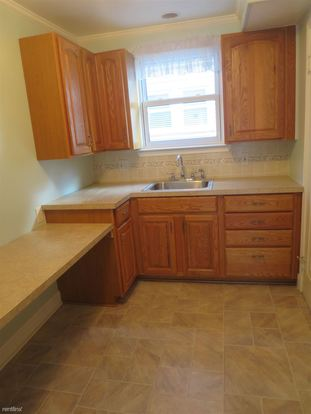 2 Bedrooms 1 Bathroom House for rent at 274 Withington St in Ferndale, MI