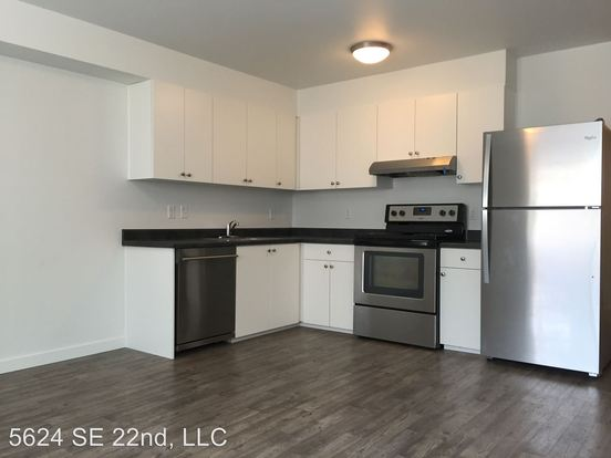 2 Bedrooms 1 Bathroom Apartment for rent at 5624 Se 22nd Avenue in Portland, OR
