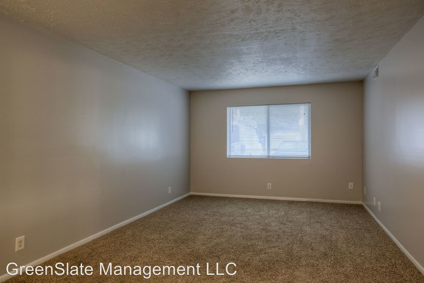 1 Bedroom 1 Bathroom Apartment for rent at 120 / 124 / 128 S 38th Street in Omaha, NE