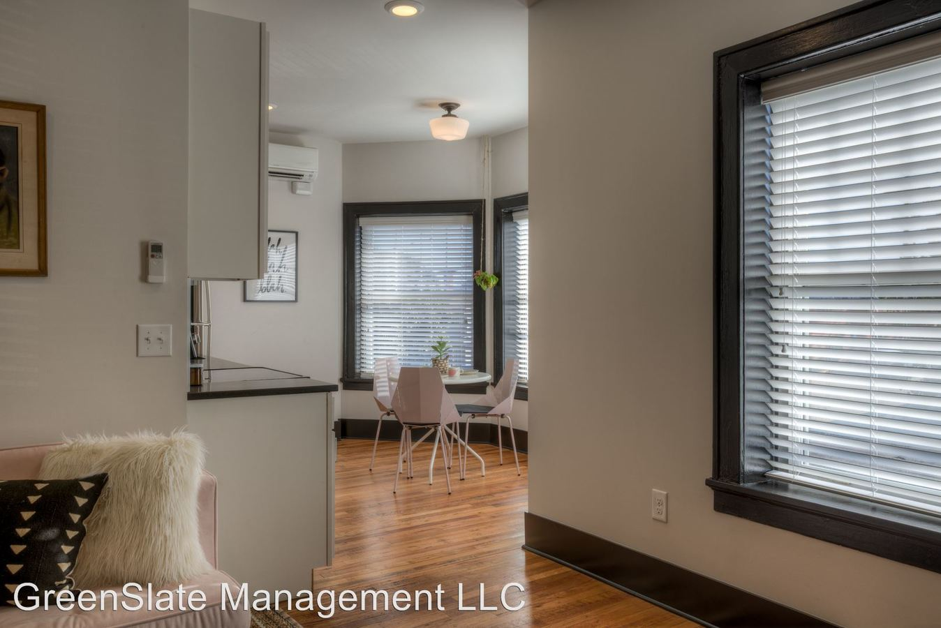 2 Bedrooms 2 Bathrooms Apartment for rent at 3804 Farnam St in Omaha, NE