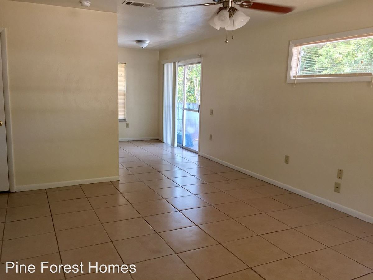 3 Bedrooms 1 Bathroom Apartment for rent at 4021a Ne 2nd Way in Gainesville, FL