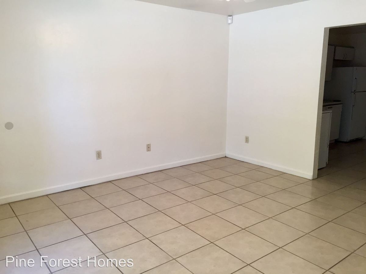 2 Bedrooms 1 Bathroom Apartment for rent at 4021a Ne 2nd Way in Gainesville, FL