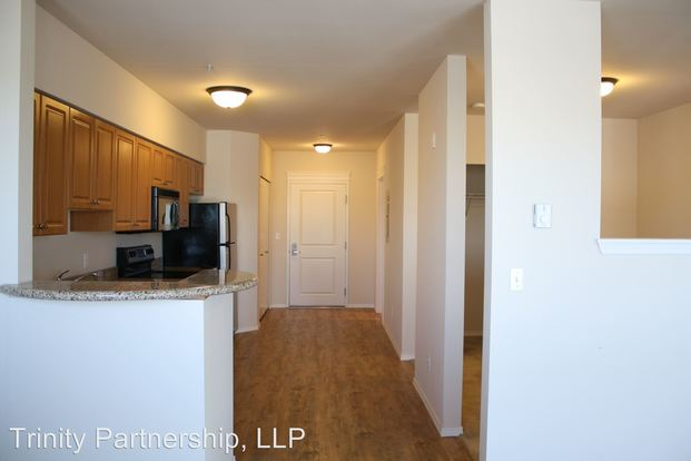 1 Bedroom 1 Bathroom Apartment for rent at 902 Ne 43rd St in Seattle, WA