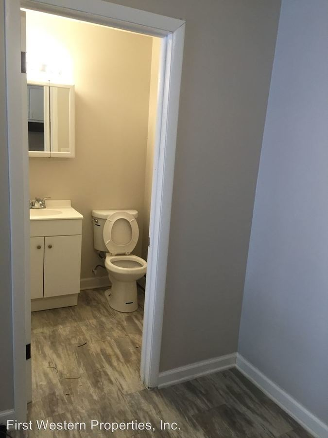 Studio 1 Bathroom Apartment for rent at 12500 S. Lincoln St in Calumet Park, IL
