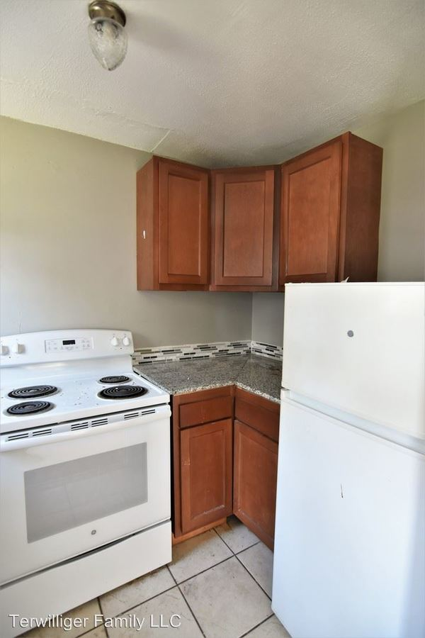 2 Bedrooms 1 Bathroom Apartment for rent at 8 Lincoln in Cortland, NY
