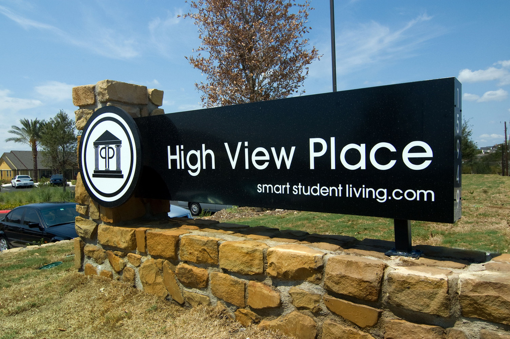 High View Place Apartments