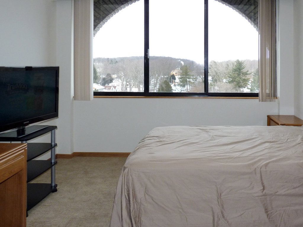 Studio 1 Bathroom Apartment for rent at Shorewood House in Madison, WI