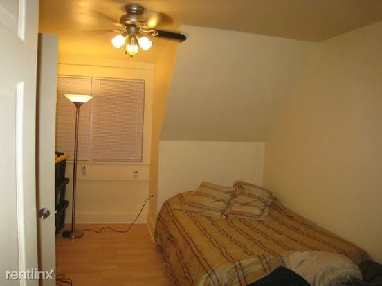 1 Bedroom 1 Bathroom Apartment for rent at 4310 Harpen Rd in Pittsburgh, PA