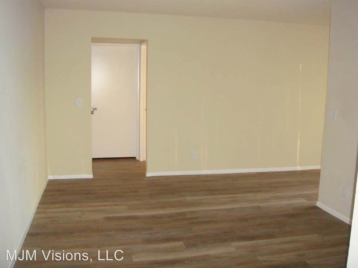 1 Bedroom 1 Bathroom Apartment for rent at 7635 Lankershim Blvd in North Hollywood, CA