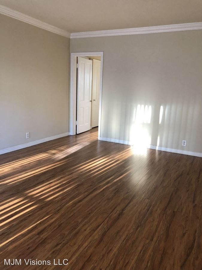 1 Bedroom 1 Bathroom Apartment for rent at 5405 Fernwood Ave in Los Angeles, CA