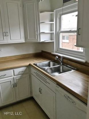 2 Bedrooms 1 Bathroom Apartment for rent at 367 375 Central Ave in Highland Park, IL