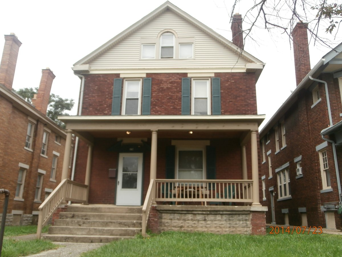 6 Bedrooms 2 Bathrooms House for rent at 370 Chittenden Ave in Columbus, OH