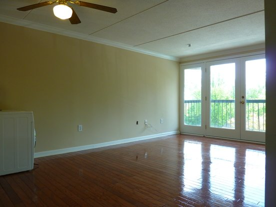2 Bedrooms 2 Bathrooms Apartment for rent at Sullins Ridge Condos in Knoxville, TN