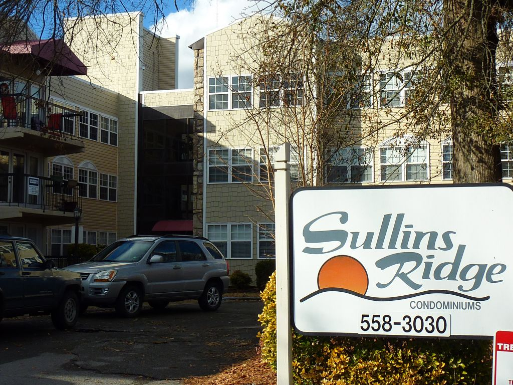 Apartments Near UTK Sullins Ridge Condos for University of Tennessee: Knoxville Students in Knoxville, TN