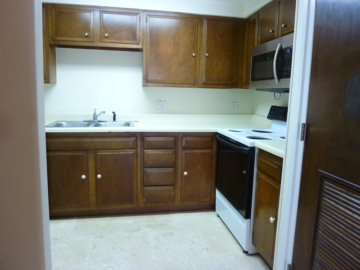 2 Bedrooms 1 Bathroom Apartment for rent at Highland Hills Condos in Knoxville, TN