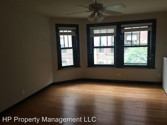 3 Bedrooms 1 Bathroom Apartment for rent at 5410 18 S. Ridgewood Ct. in Chicago, IL