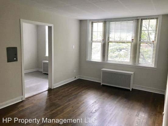 1 Bedroom 1 Bathroom Apartment for rent at 1310 16 E. Hyde Park Blvd & 1311 17 E. Madison Pk in Chicago, IL