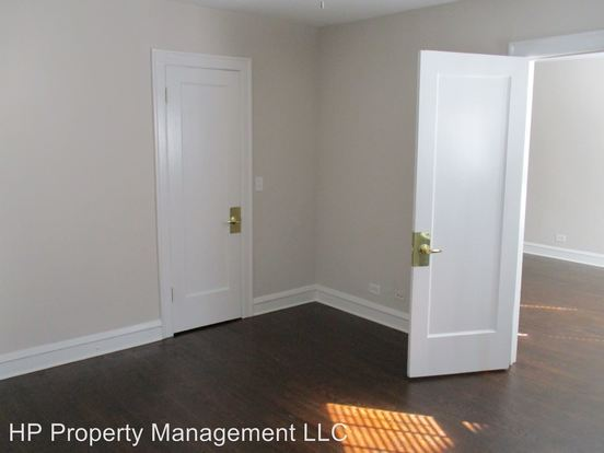 2 Bedrooms 1 Bathroom Apartment for rent at 5410 18 S. Ridgewood Ct. in Chicago, IL