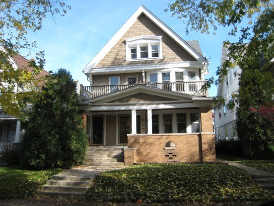 3 Bedrooms 1 Bathroom House for rent at 2828-30 N. Maryland Ave in Milwaukee, WI