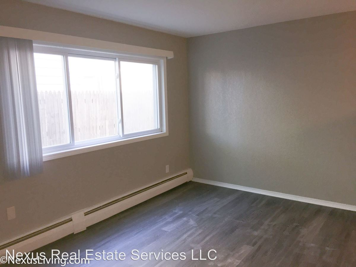 Studio 1 Bathroom Apartment for rent at 2611 Pleasant Avenue South in Mpls, MN