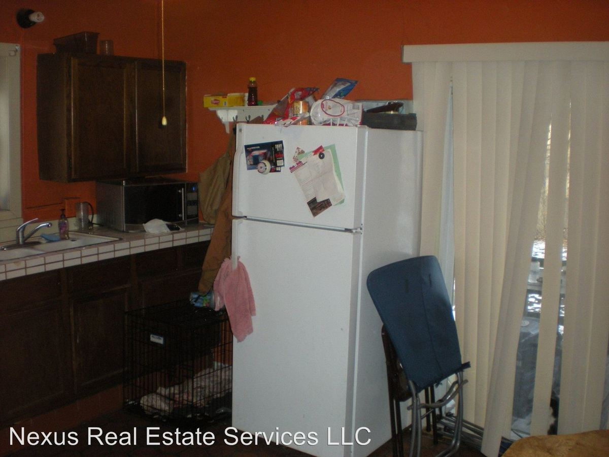 2 Bedrooms 1 Bathroom Apartment for rent at 244 Humboldt Avenue N. in Minneapolis, MN