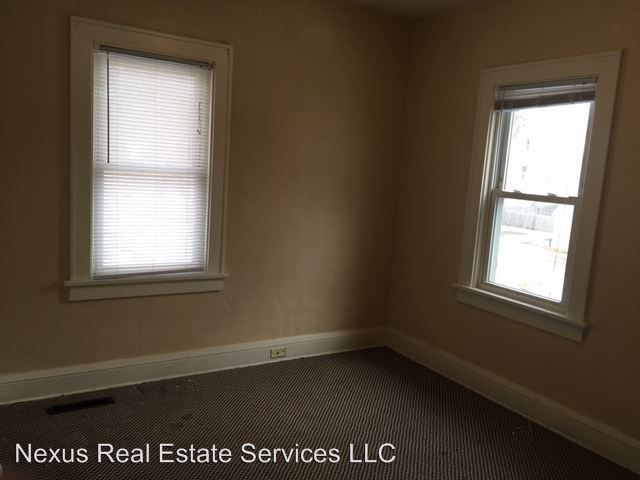 1 Bedroom 1 Bathroom Apartment for rent at 244 Humboldt Avenue N. in Minneapolis, MN