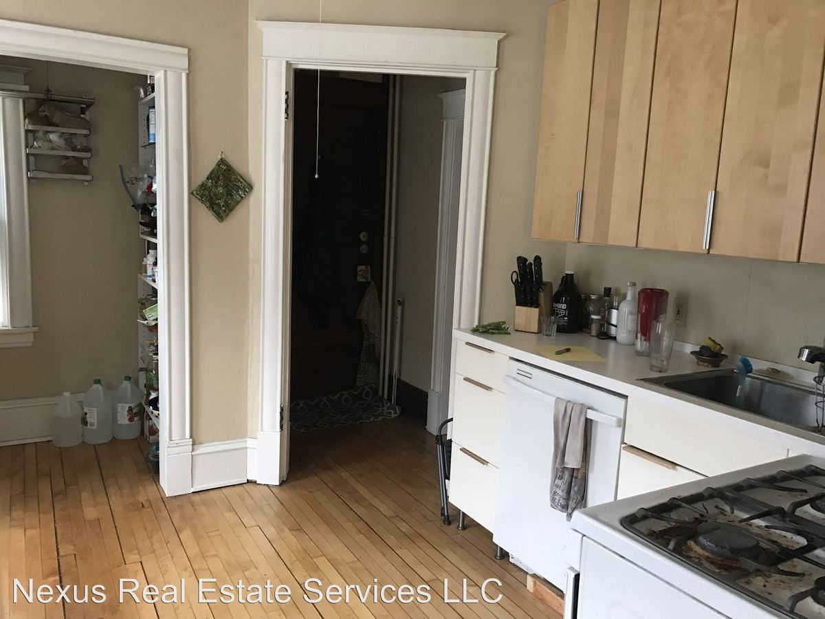 3 Bedrooms 2 Bathrooms Apartment for rent at 244 Humboldt Avenue N. in Minneapolis, MN