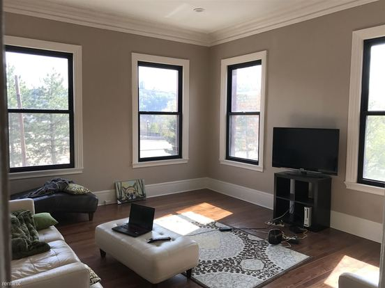 1 Bedroom 1 Bathroom Apartment for rent at Thaw Mansion in Pittsburgh, PA