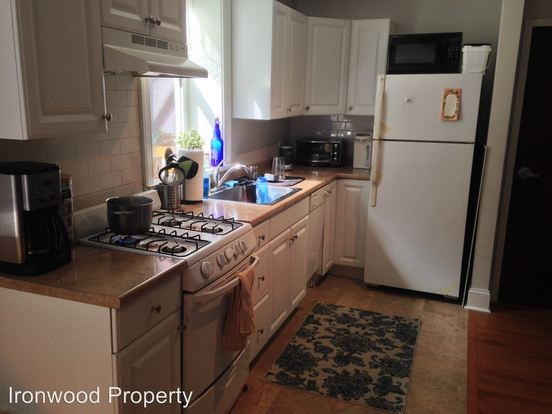 2 Bedrooms 1 Bathroom Apartment for rent at 4616 Spruce St in Philadephia, PA